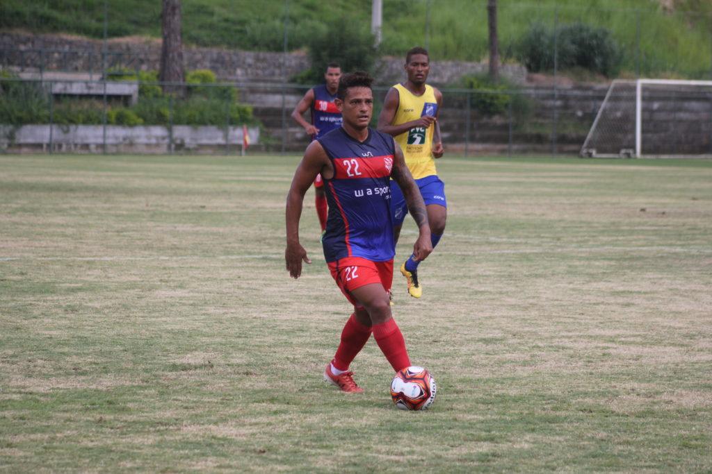 Valdir espera repetir mesmo sucesso de sua passagem em 2008 (Foto: João Carlos Gomes/Bangu)