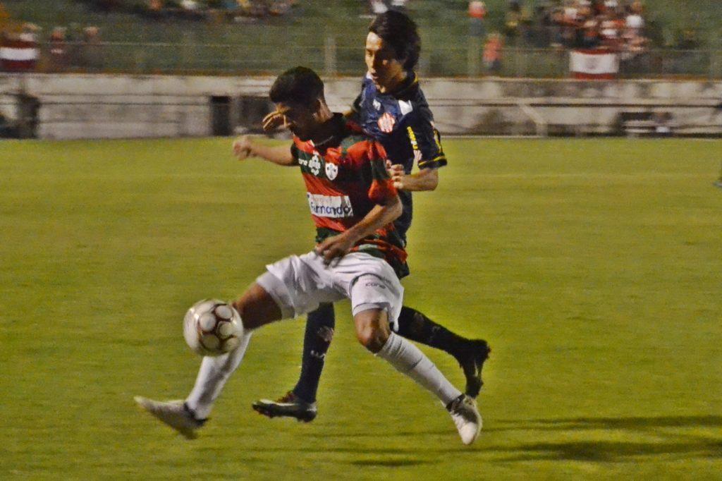 No Canindé, Alvirrubro foi superado pela Lusa (Foto: Emerson Pereira/Bangu)