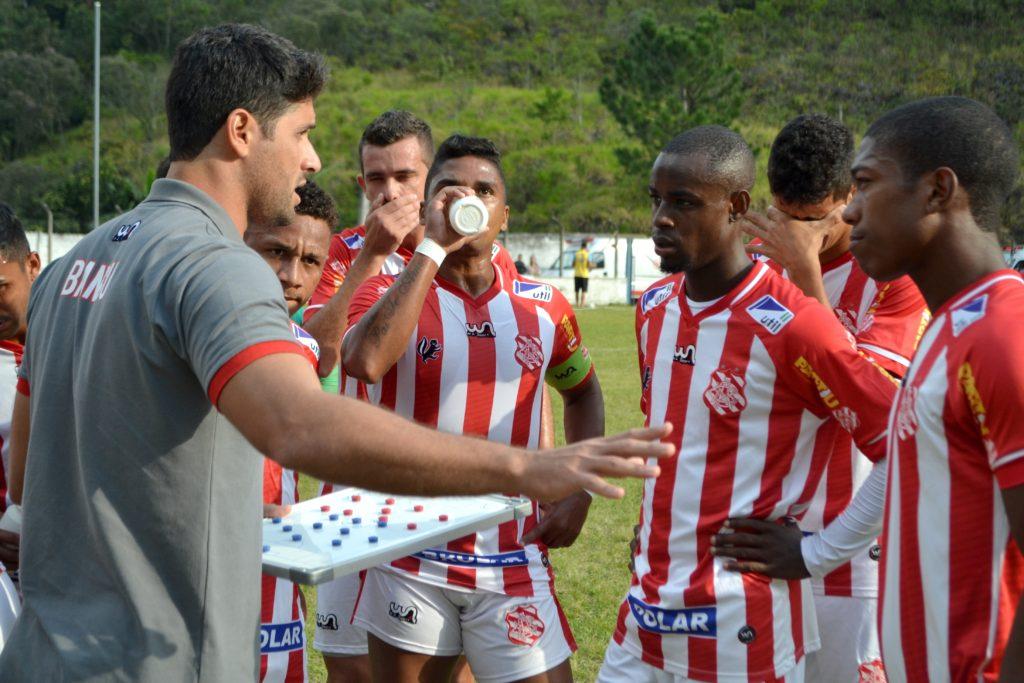 Garra da equipe foi ressaltada por Carlos Renan em empate fora de casa (Foto: Emerson Pereira/Bangu)