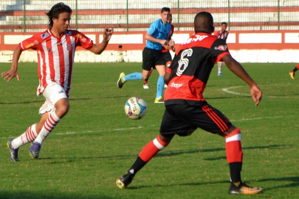 Ramon rechaça jogo fácil contra o Itaboraí (Foto: Emerson Pereira/Bangu)