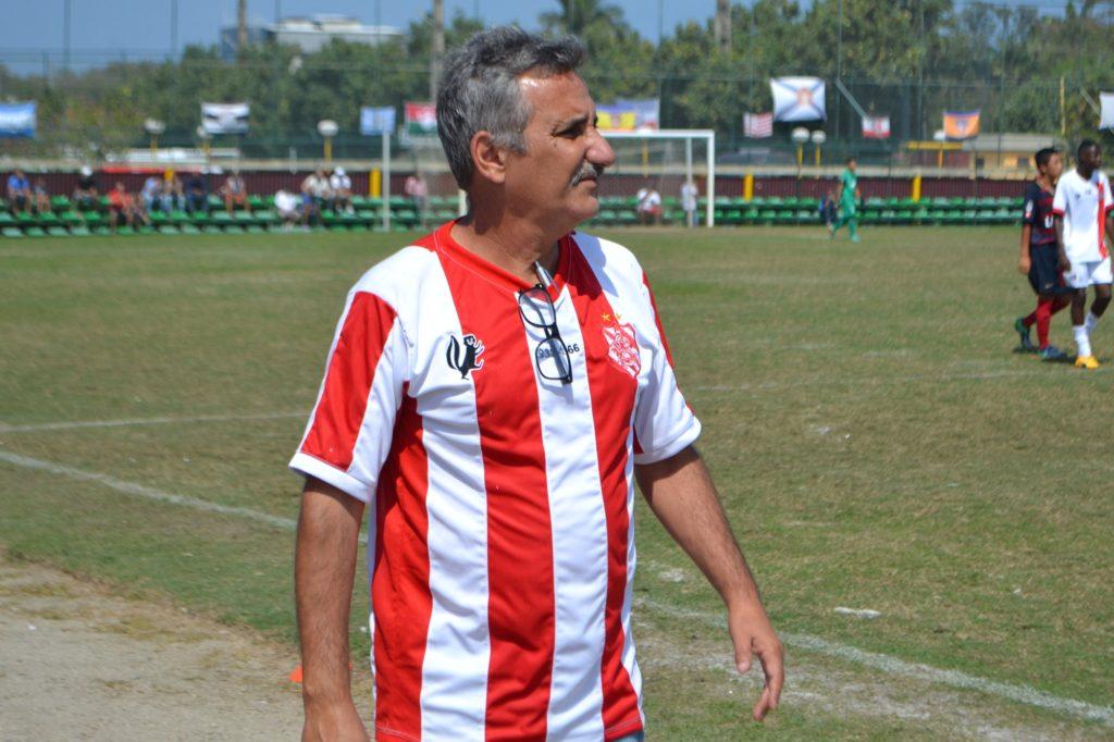 Luiz Manoel aprovou o desempenho de seus comandos nesta manhã (Foto: Emerson Pereira/Bangu)