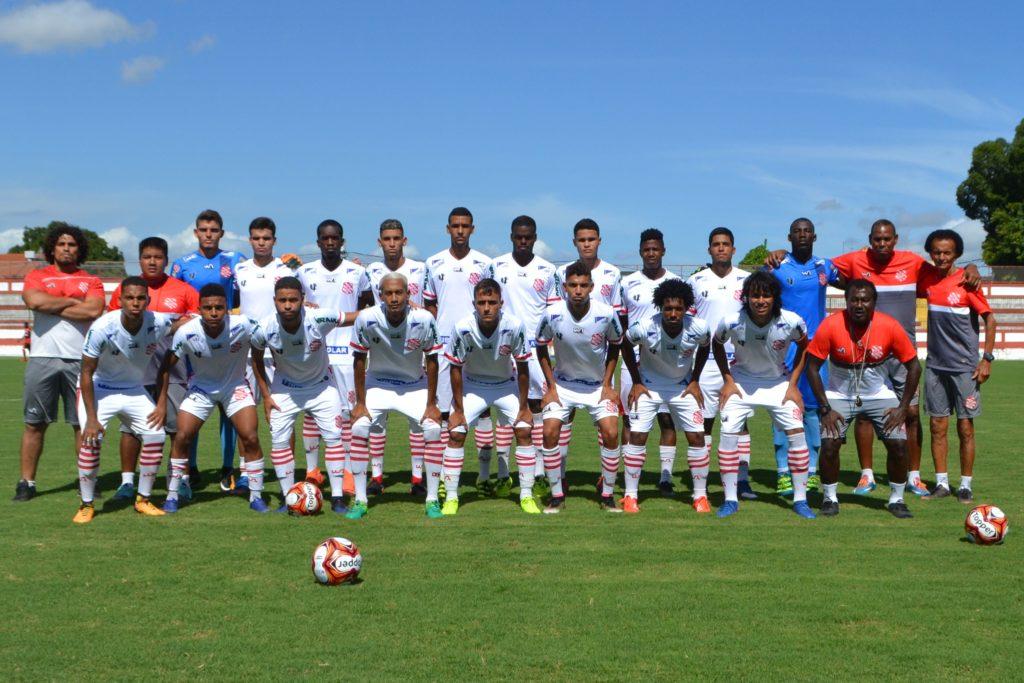 Equipe do Bangu nesta tarde diante do Flamengo (Foto: Emerson Pereira/Bangu)