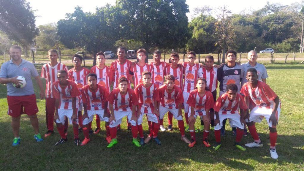 Equipe Sub14 estreou com pé direito: vitória por 3 a 1 (Foto: Divulgação/Bangu)